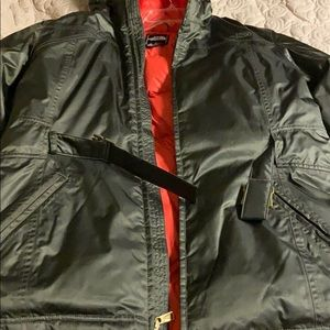 North Face down coat .